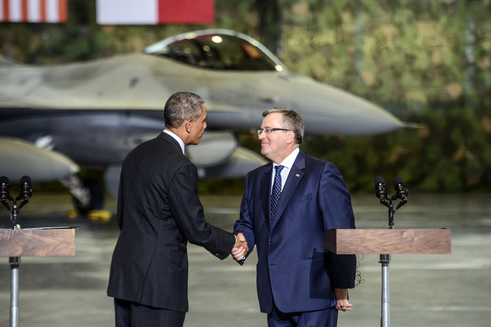 President Obama Shakes Hands With Polish President Komorowski After Speaking to U.S. and Polish Airmen