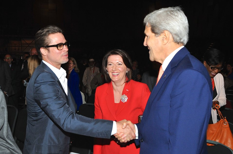 Actor Pitt Greets Secretary Kerry at Conclusion of 2014 Global Summit to End Sexual Violence in Conflict