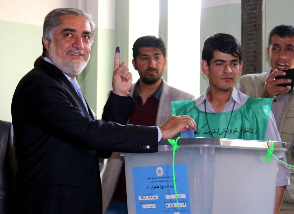 Dr. Abdullah Abdullah, presidential candidate casts his vote in Kabul.