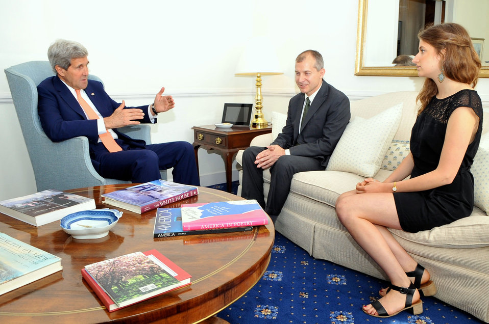Secretary Kerry Speaks With Wounded Foreign Service Officer Lodinsky Upon Reunion in London