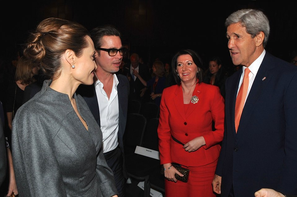 Secretary Kerry Chats With Actress Jolie, Actor Pitt and Wife of British Foreign Secretary at Conclusion of Summit to End Sexual Violence in Conflict