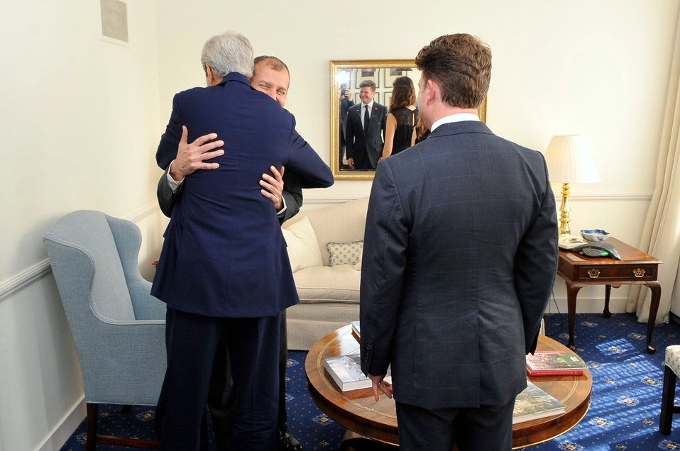 Secretary Kerry Embraces Wounded Foreign Service Officer Lodinsky Upon Reunion in London