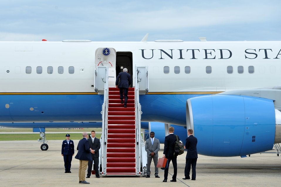 Secretary Kerry Boards Plane to Egypt, Middle East, Europe