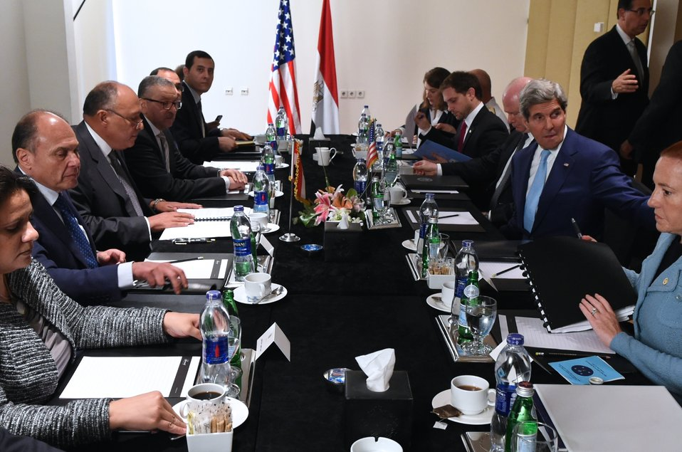 Secretary Kerry, Egyptian Foreign Minister Shoukry and Teams Hold Bilateral Meeting in Cairo