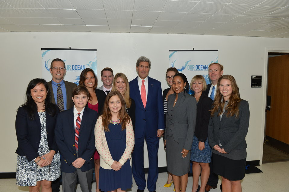 Secretary Kerry and Our Ocean' Meetup Group Participants Pose for Photo