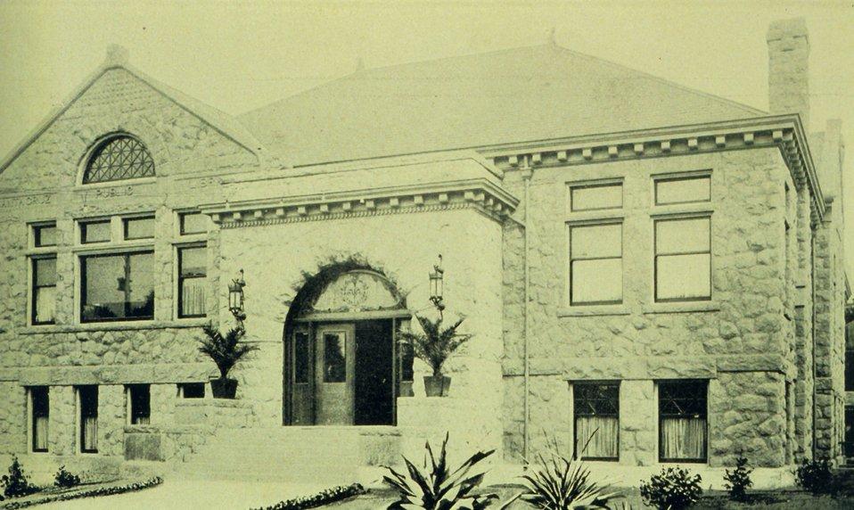 The Carnegie Library at Santa Cruz. In: 'The City of Santa Cruz and VicinityCalifornia.' Published by The Santa Cruz  Board of Trade.  1905.