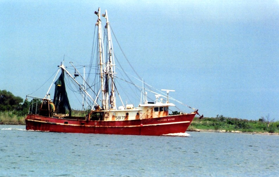 The shrimp boat RICHARD WAYNE in Albemarle Sound.