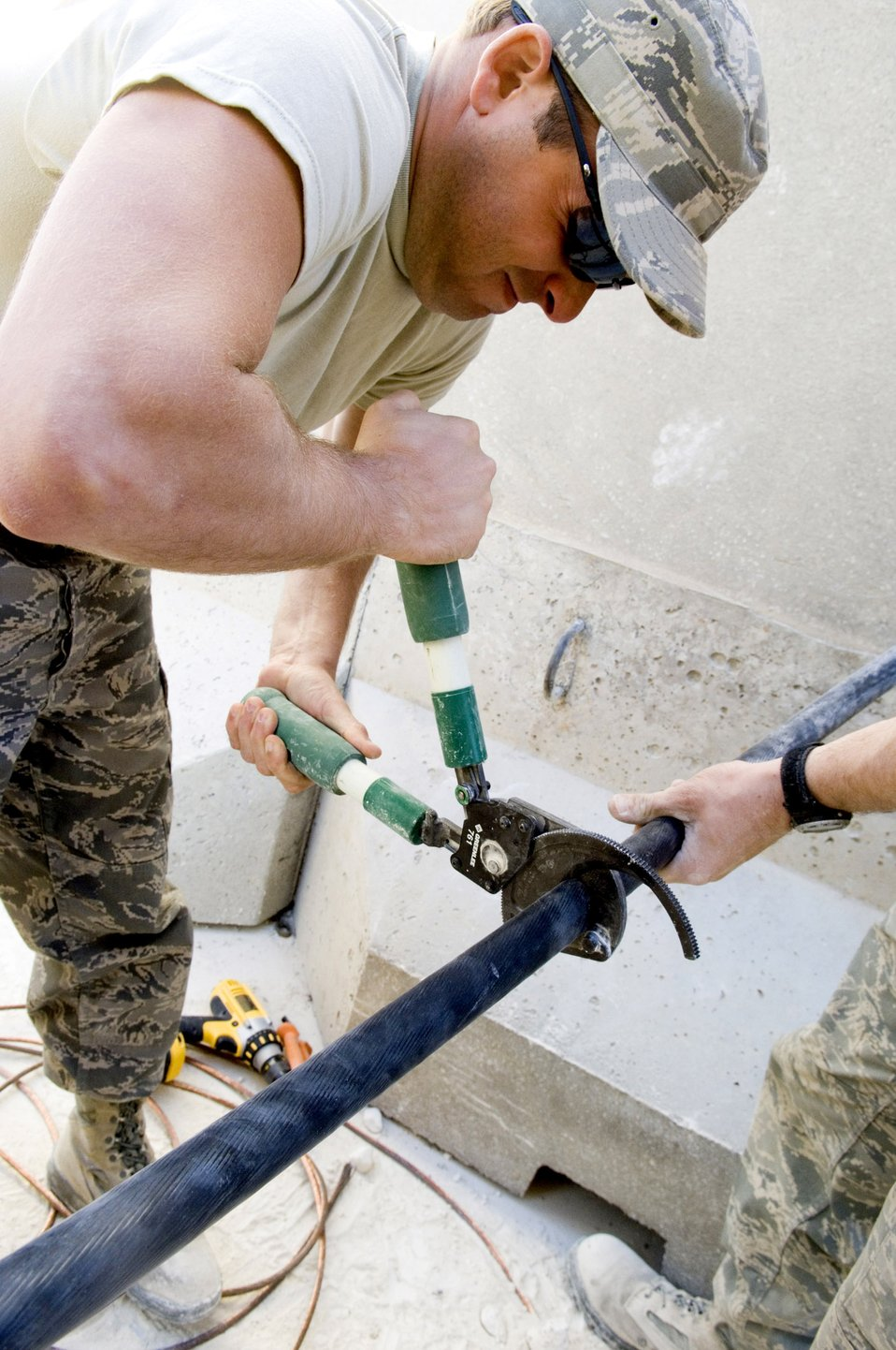 Air Force engineers improve Marine quality of life in Iraq