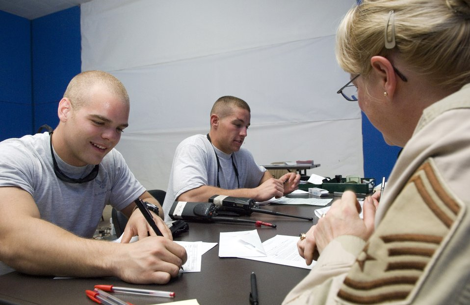Embassy visits Balad, helps Airmen, Soldiers get passports