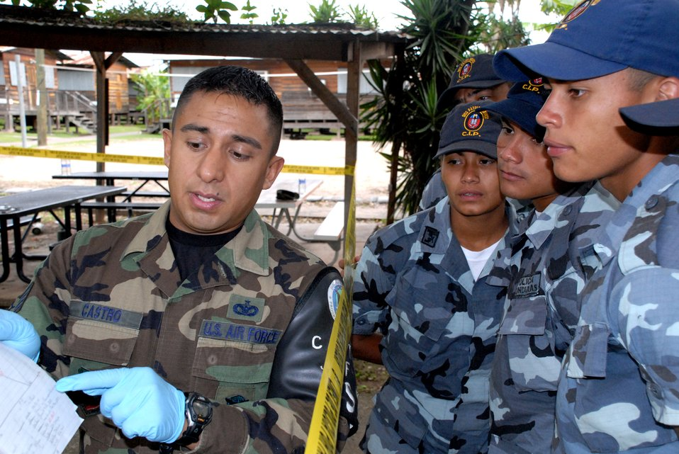 CSI Honduras: JSF teaches crime scene processing to Honduran police