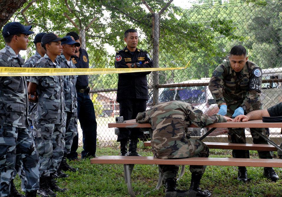 CSI Honduras: JSF teaches crime scene processing to Honduran police