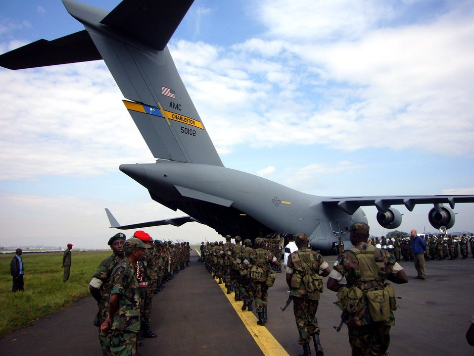 Air Force assists in Darfur troop movement
