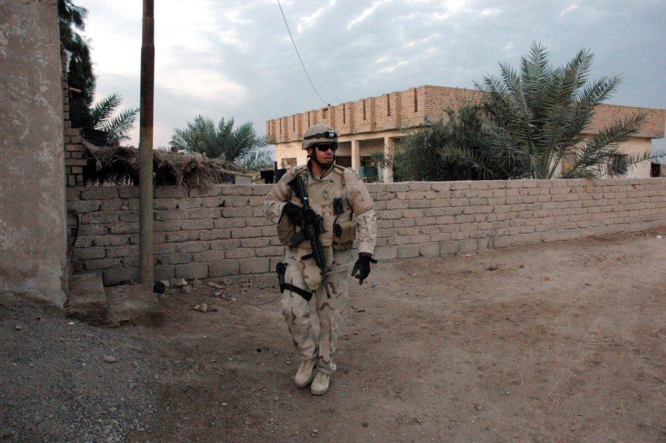 EOD sergeant receives Bronze Star Medal