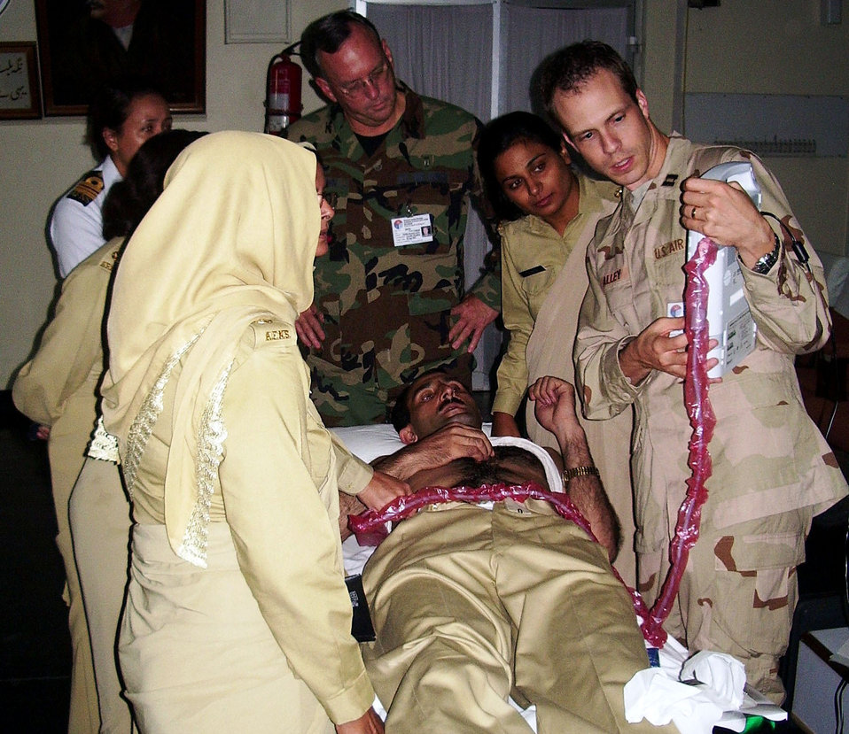 Air Force doctors train Pakistanis in battlefield surgery