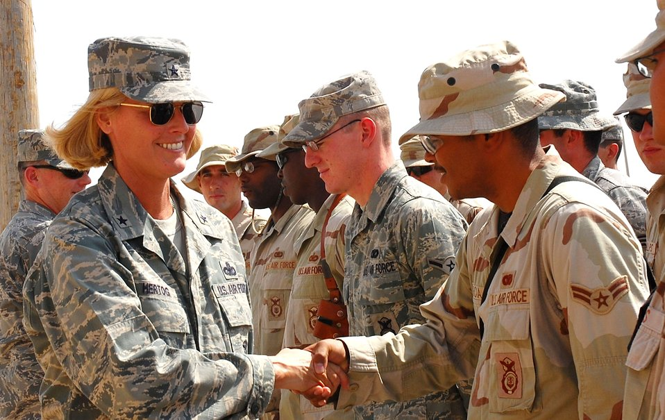 Top Cop visits deployed Airmen