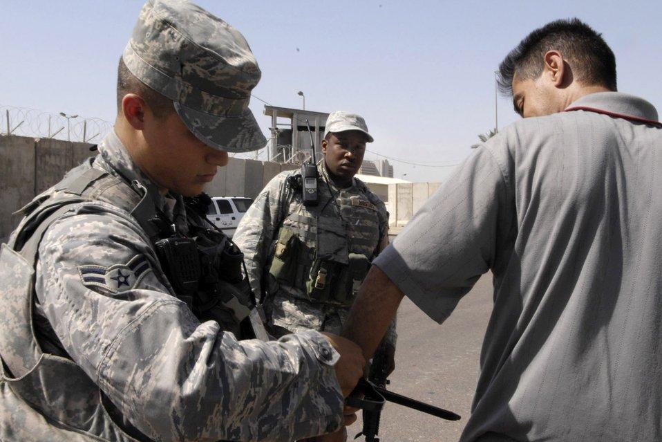 Airmen patrol the streets of Baghdad