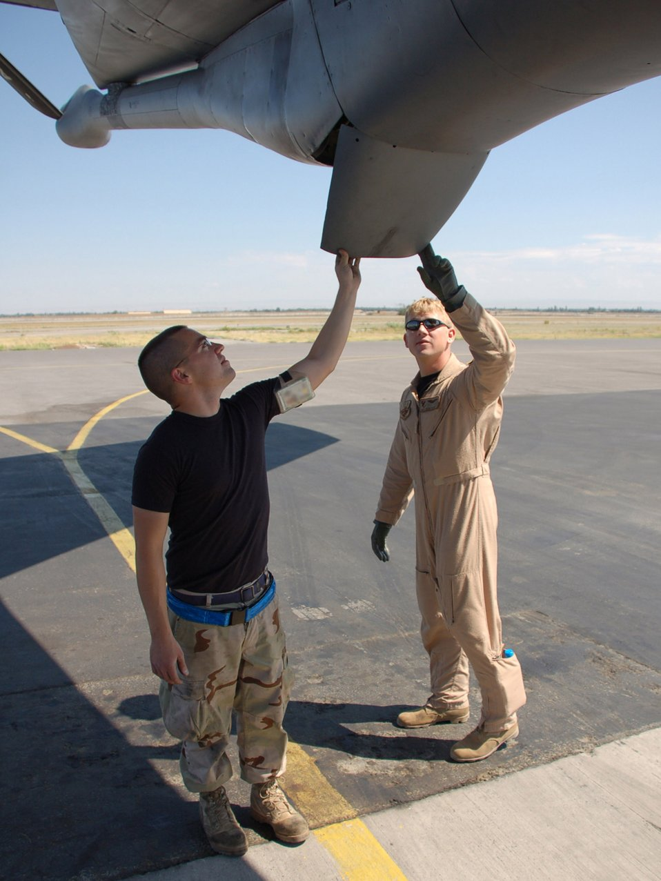 Expeditionary maintenance group gets fuel flying