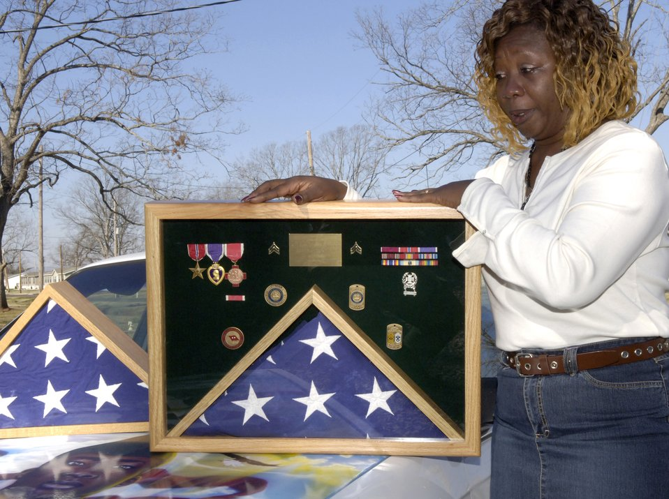 Retired Airman brings Soldier's mother peace