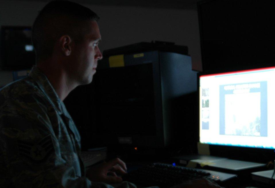 Intelligence Wing supports Gustav efforts