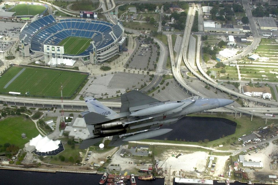 Air Force fighters prep for Super Bowl XLV