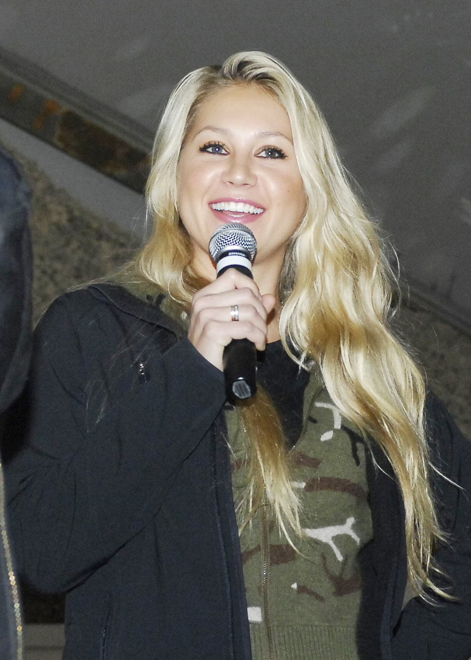 USO brings celebrities to Servicemen and women