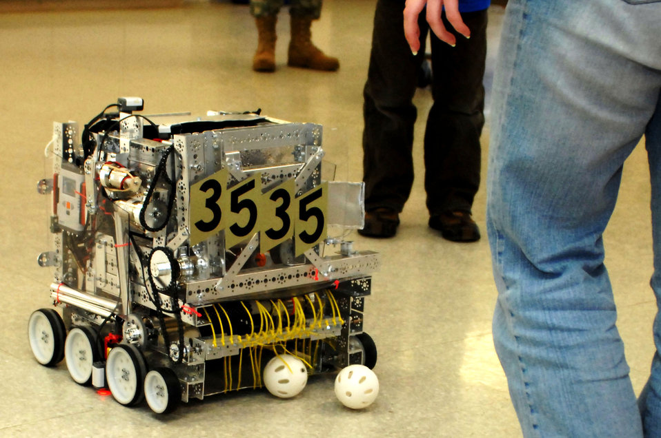 Scott youth participate in international robot competition