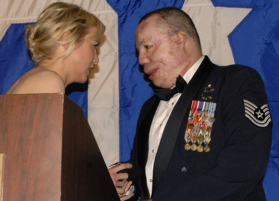 Servicemembers honored at annual USO-Metro gala
