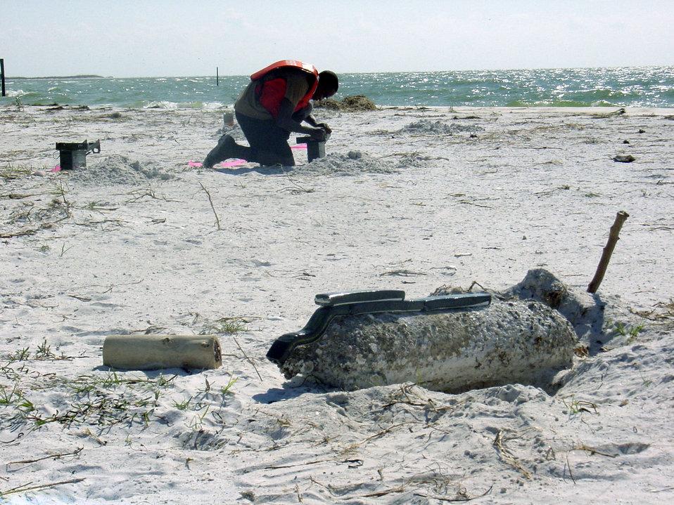 Airmen explode bomb found on Florida beach