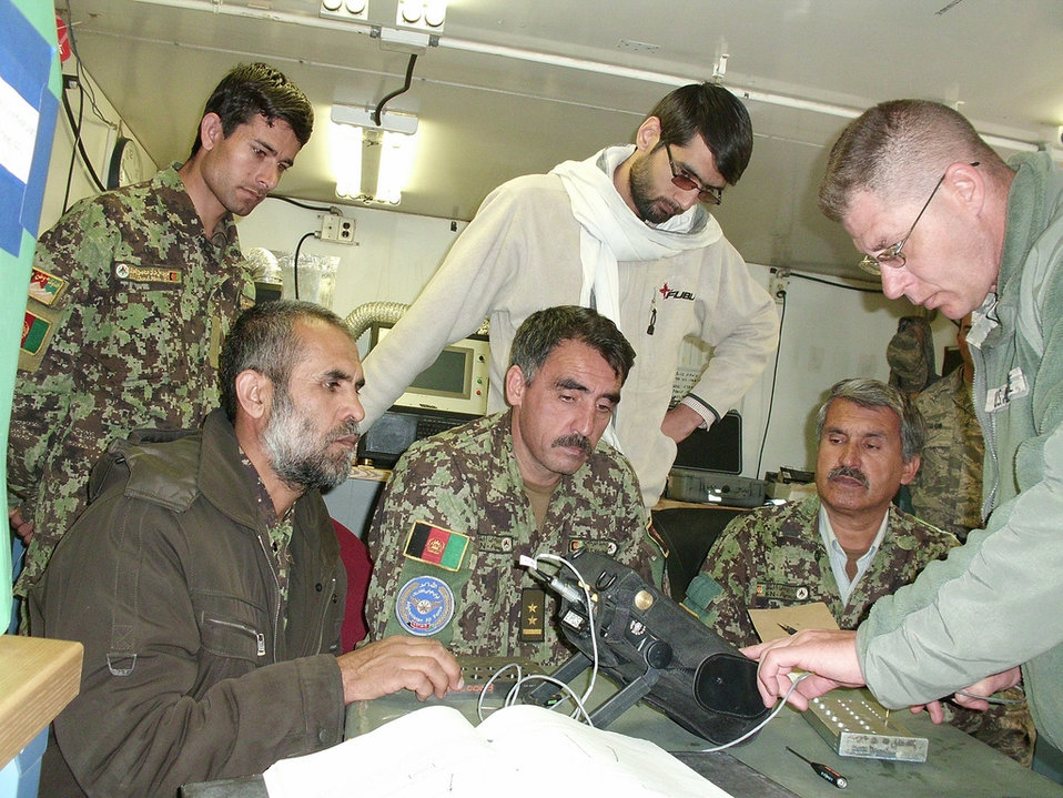 Air Force technicians showcase abilities to Afghan maintainers