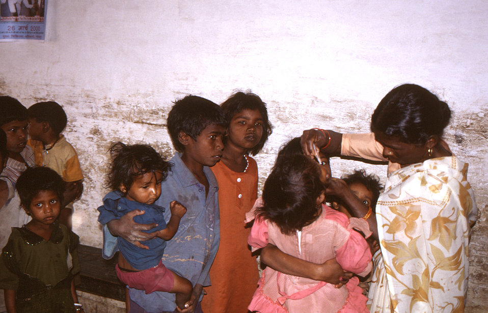 The National Immunization Days (NID) were effective at immunizing thousands of children throughout India.  Here we see that older siblings w
