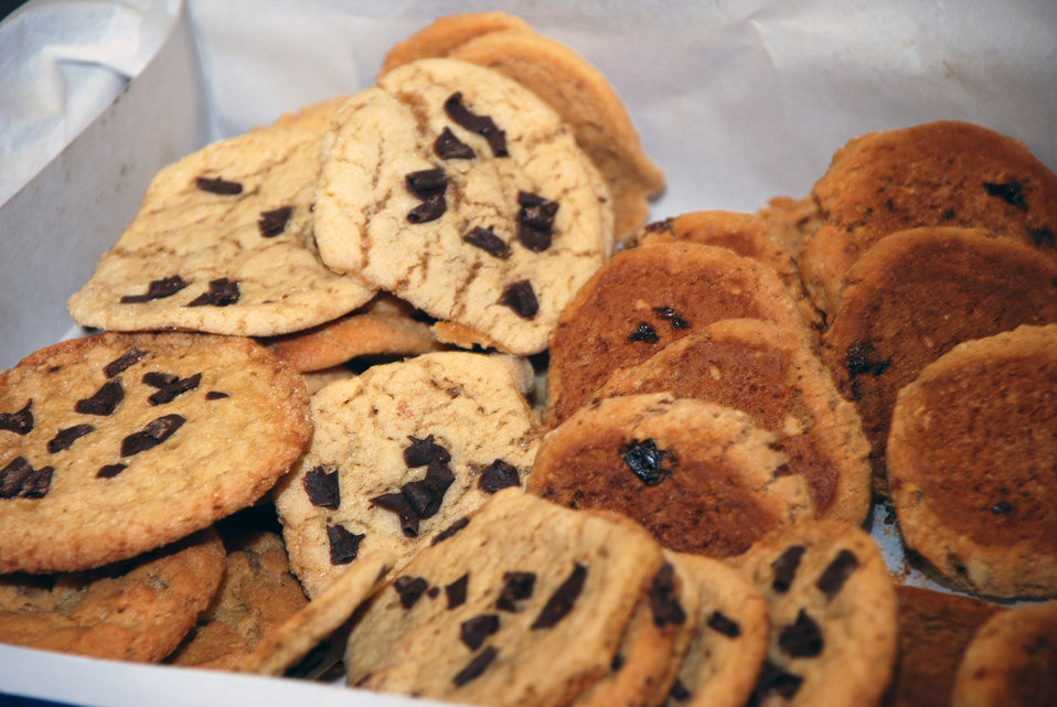 Bakers, baggers deliver sweet treats to dormitory Airmen