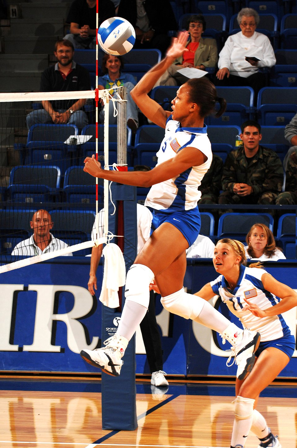 Volleyball: Falcons fall to Utah