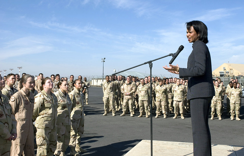 Secretary of State visits Manas, inspires troops
