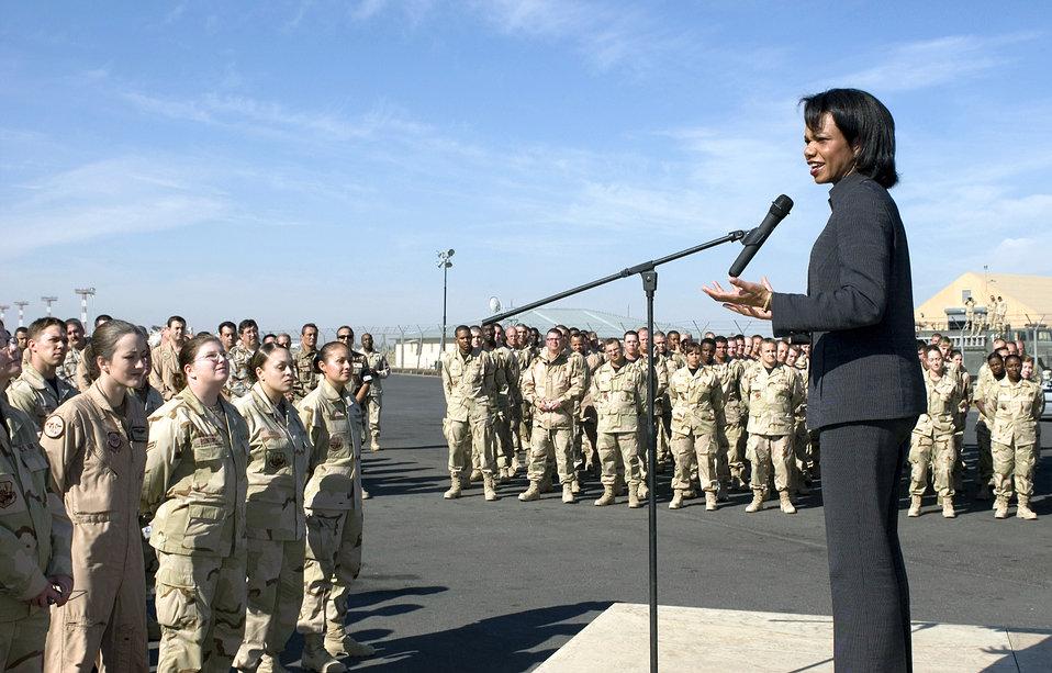Secretary of State visits Manas, inspires troops