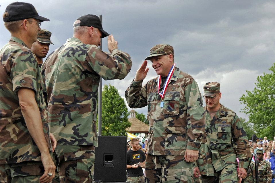Hanscom Airmen receive heroes' welcome