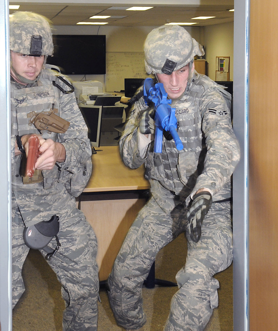 Security Airmen train to handle active shooter threats