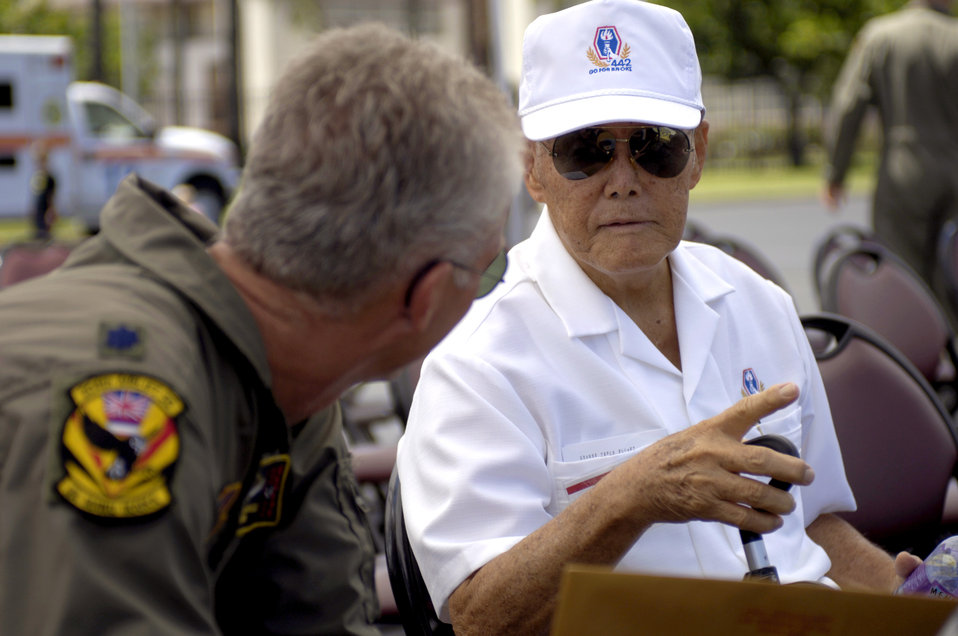 Hickam honors World War II vets with new C-17