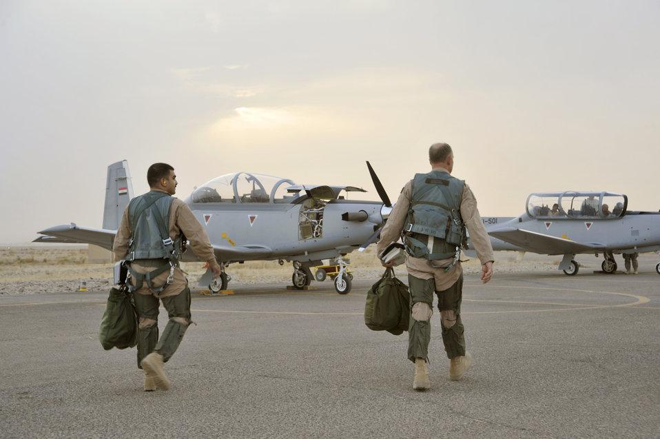 U.S. Airmen train future Iraqi air force pilots