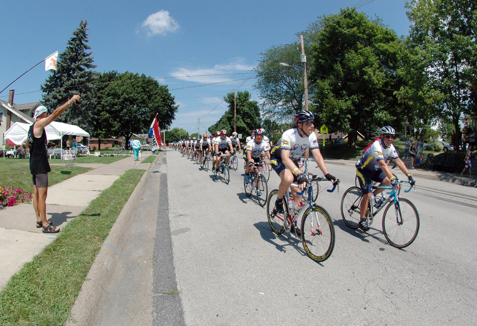 Air Force cycling team wraps up RAGBRAI