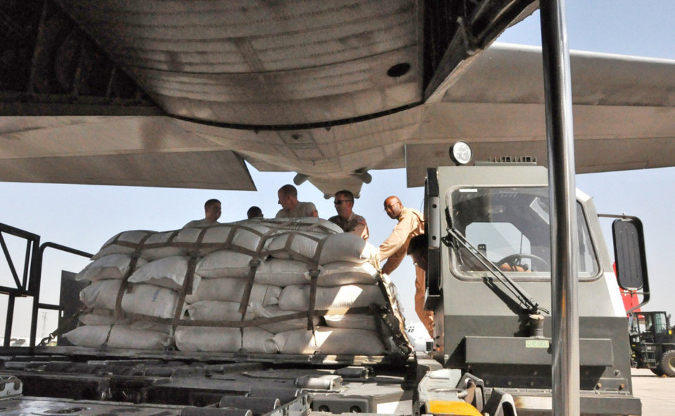 Airmen continue flow of nation-wide distribution of flood relief supplies in Pakistan