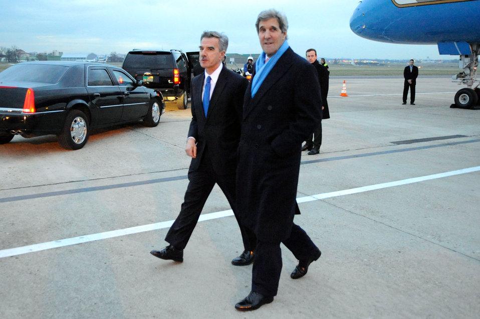 Chargé D'Affaires Taplin Greets Secretary Kerry Upon Arrival in Paris