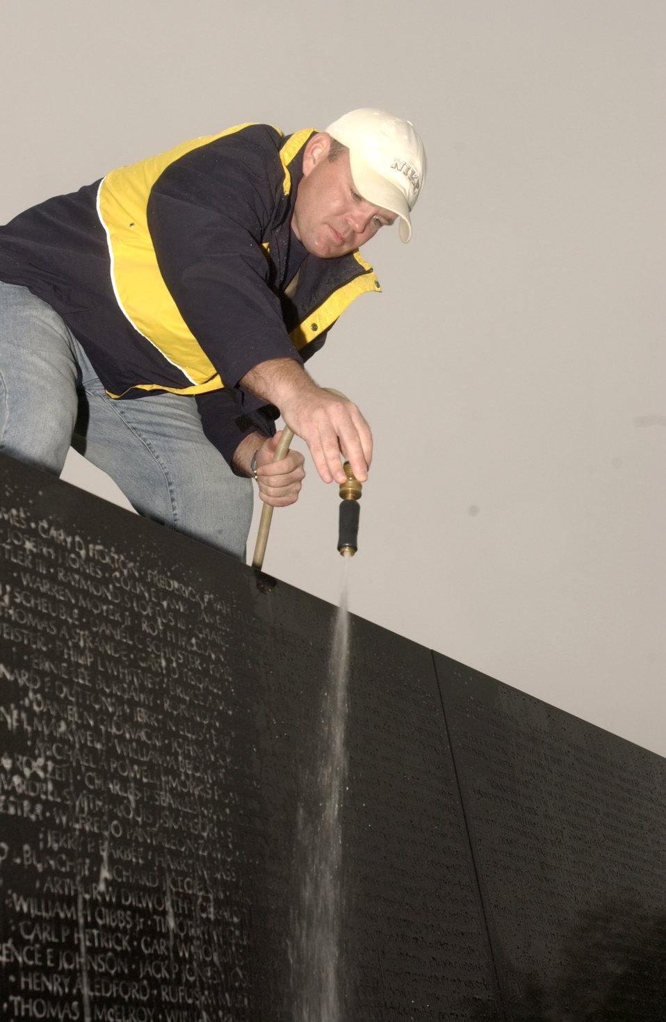 AFSA members clean Vietnam Memorial