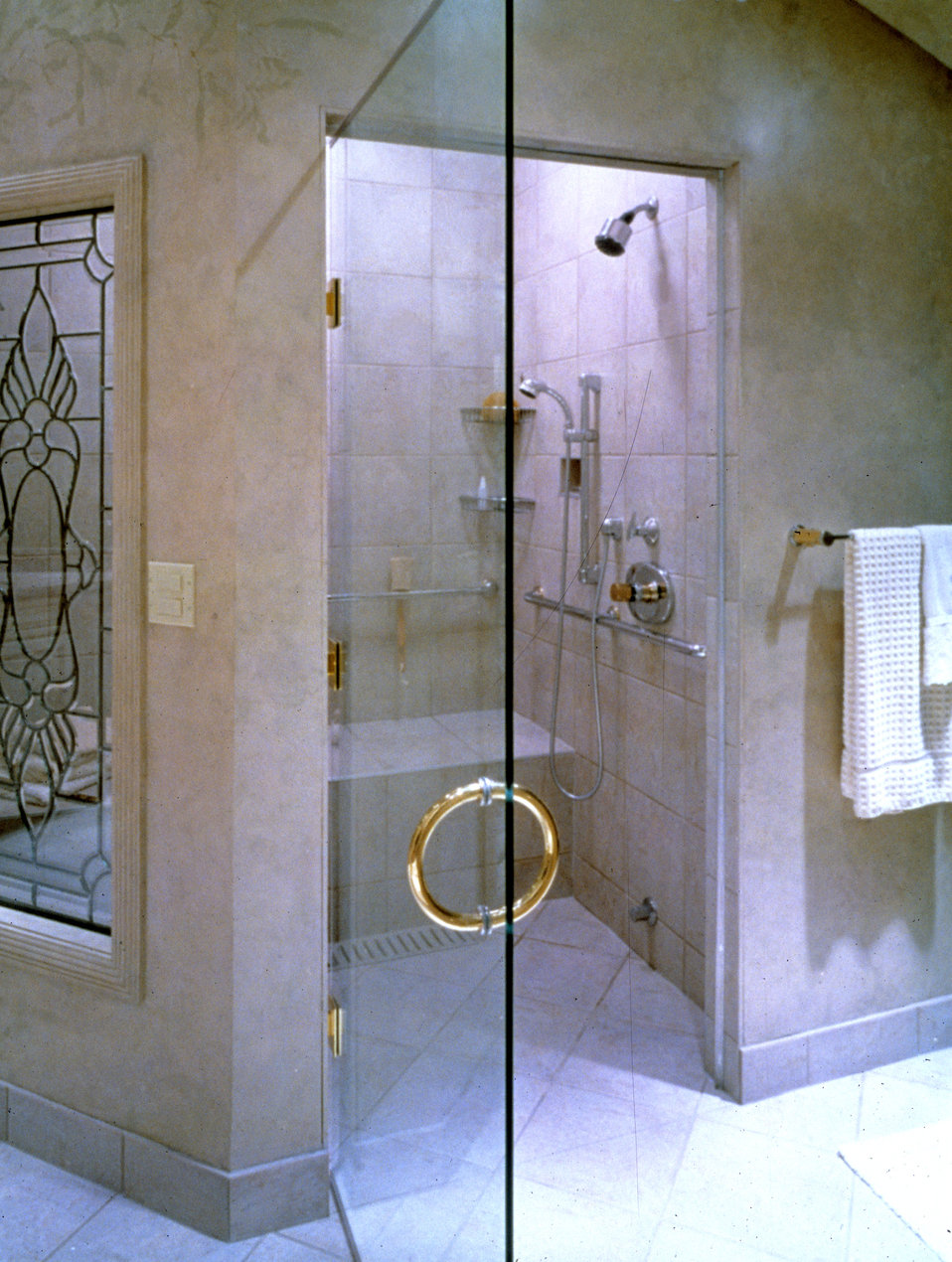 This image depicted an example of a shower door design where users who might be mobility impaired could possibly be amongst those who'd be u