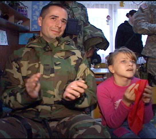 Servicemembers help children