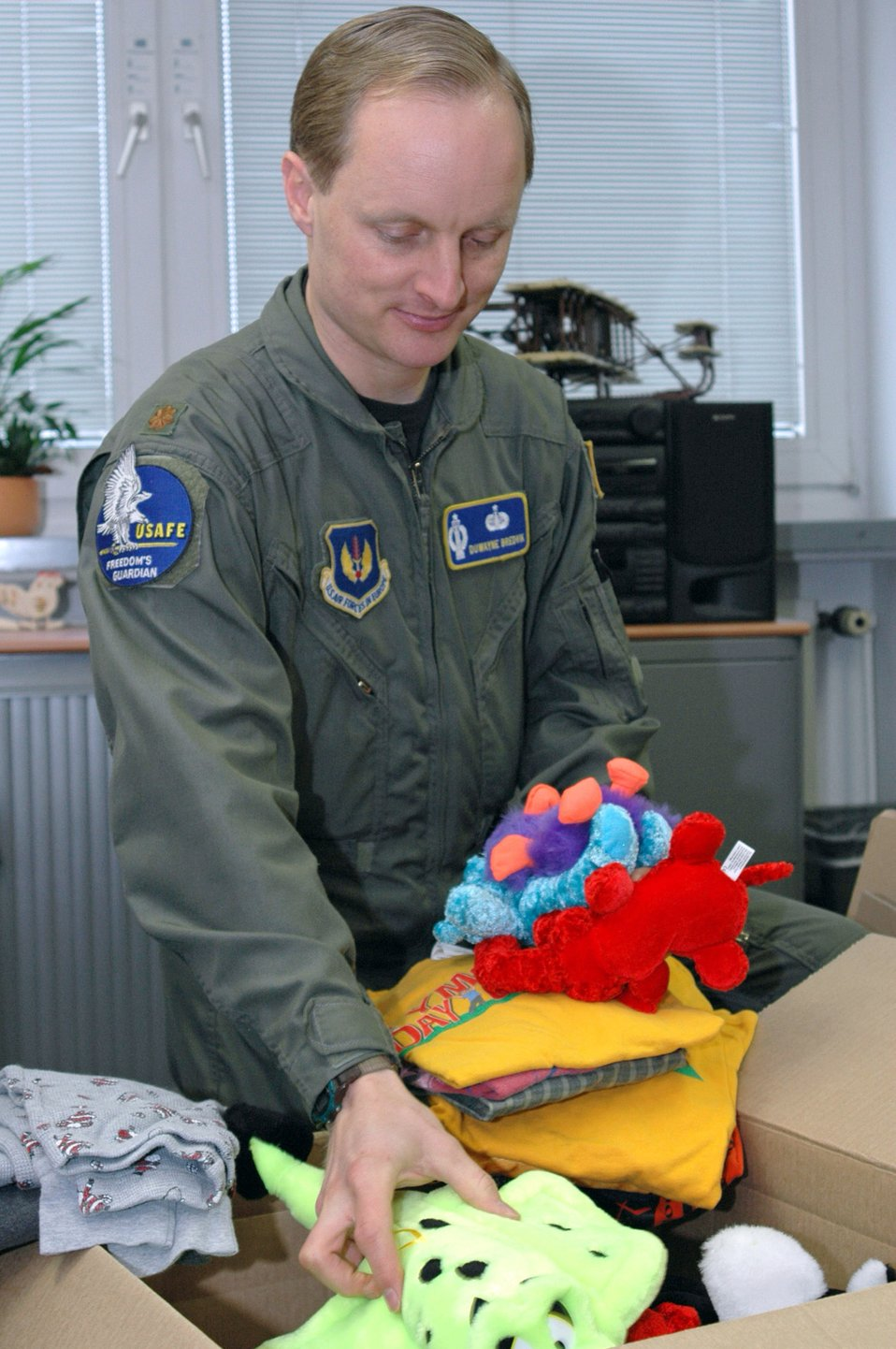 Airmen collect gifts for Afghan children