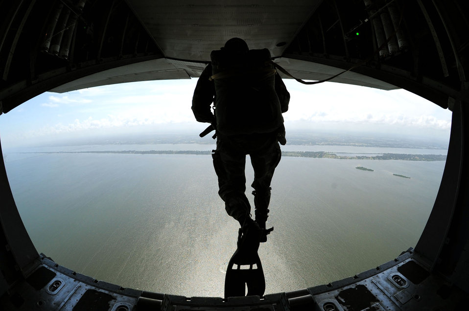 Uruguayan armed forces train with rescue reservists