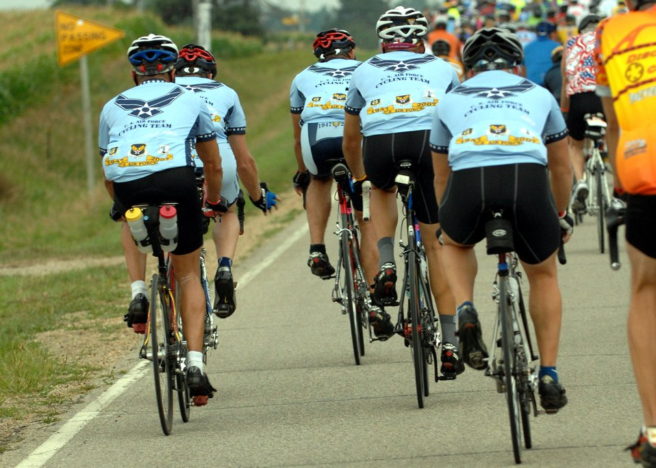 Airmen cycle across Iowa