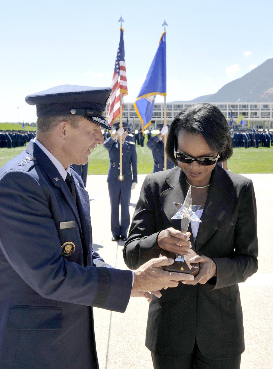 Condoleezza Rice receives '09 TD White Award