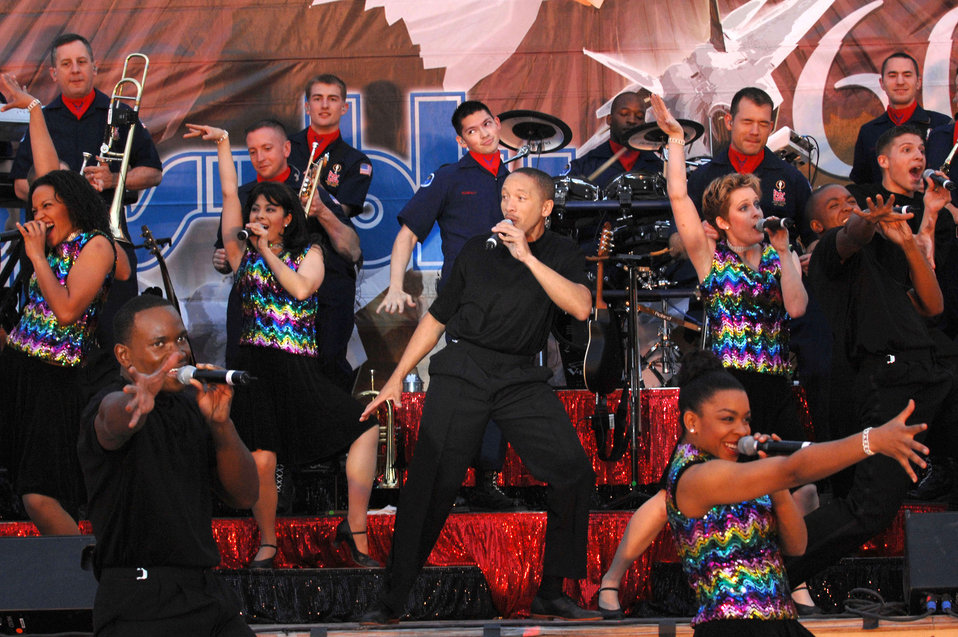 Tops in Blue perform for Airmen in Iraq