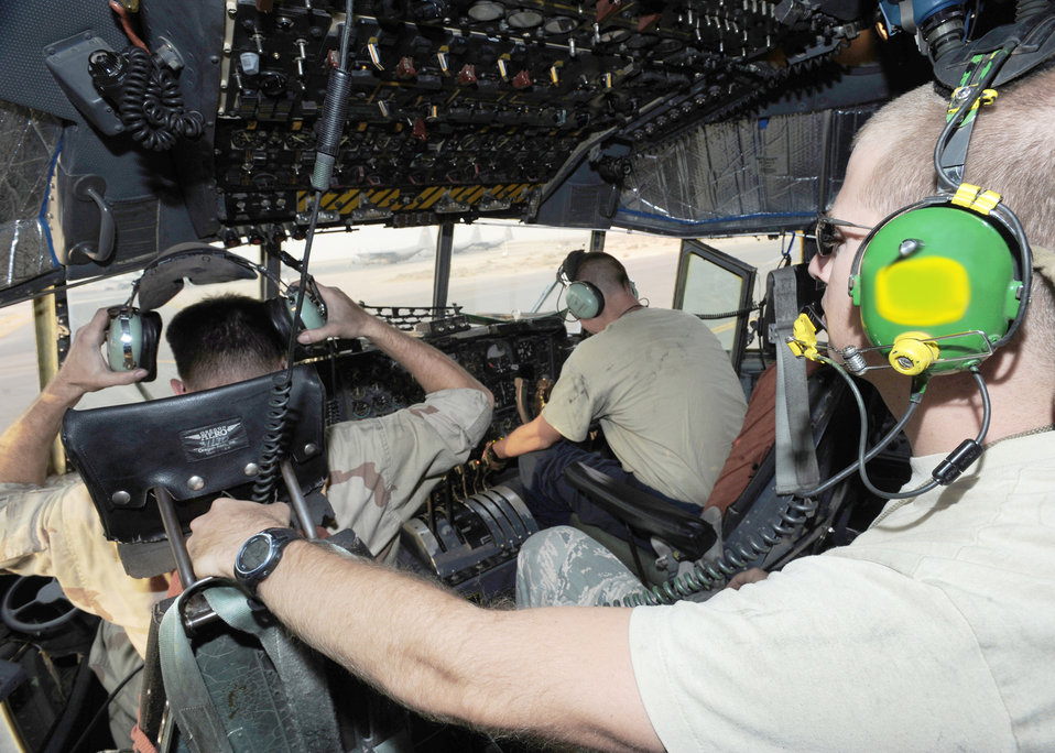 C-130E electronic attack maintenance